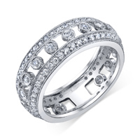 Prong & Bezel Wedding Band