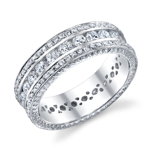18k White Gold Elegant Eternity Band t.w. approx 2.10 Ct.